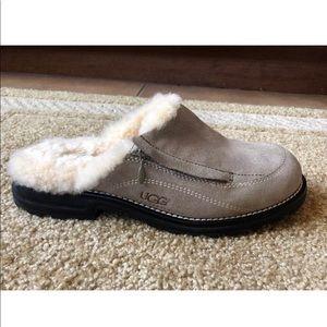 UGG Australia Comfort Shoes 7 Leather & Sheepskin